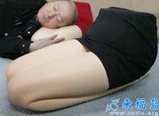丝袜美腿,日本男淫都是枕着睡觉的