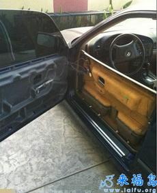 打开车门时悲催了,这质量太坑爹了!