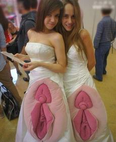 美女,你们的裙子太有内涵了