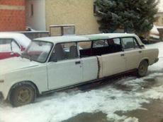 哥终于有自己的加长轿车了