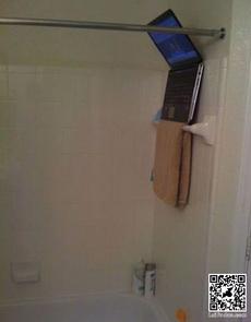 泡澡也可以看电视了