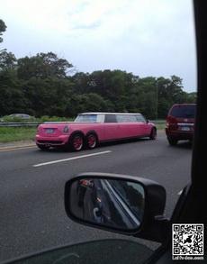 颜色风骚的加长汽车