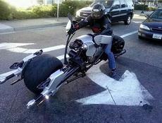 摩托车似乎很猛