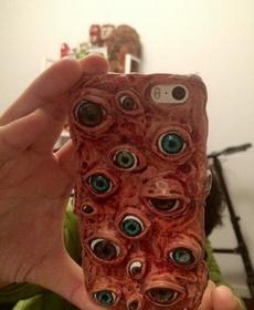 這手機拿出來要嚇死人