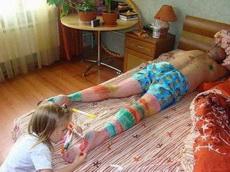 爸爸是女儿最好的画板