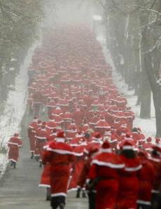 圣诞老人集体出动找驯鹿
