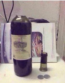 护士在家开红酒的方法