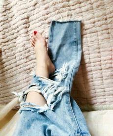 穿破洞牛仔裤的苦恼