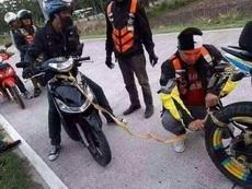 热心肠的摩托车手