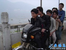能坐六个人的摩托车