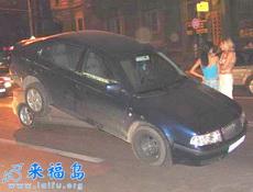 这样的车祸肯定是女士在开车