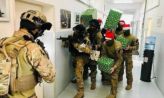 是給恐怖分子送圣誕禮物嗎!