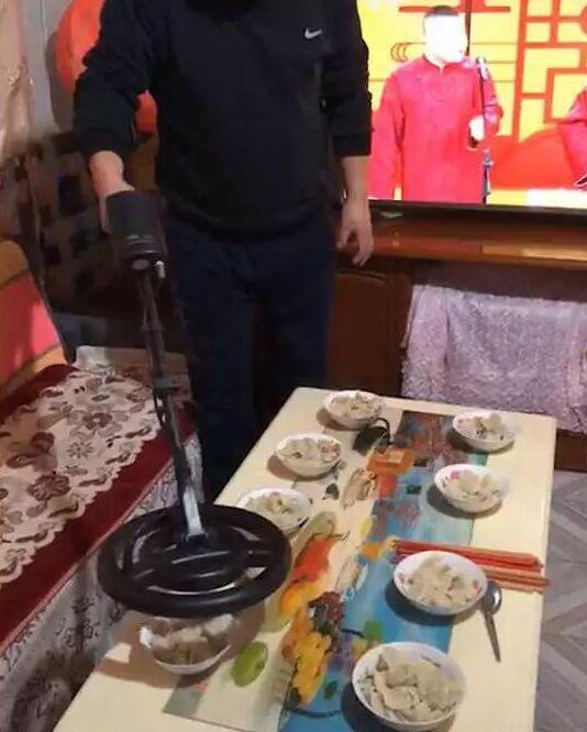 这样吃到有硬币的水饺是没有灵魂的
