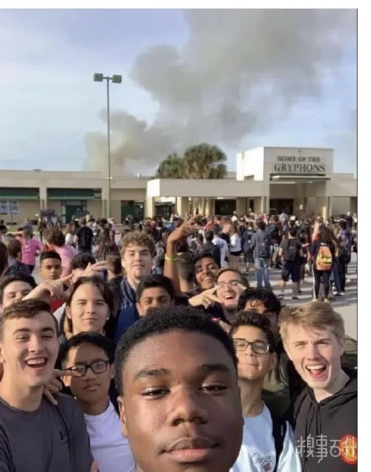 学校发生火灾�Q�同学们心里很痛苦[奇闻怪事]